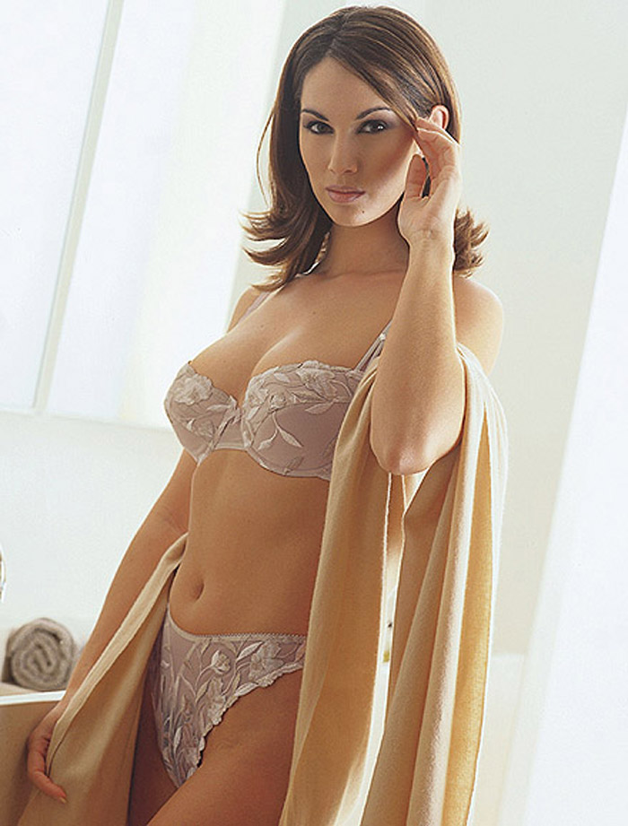 fine lingerie  rom-004-pic-001.jpg