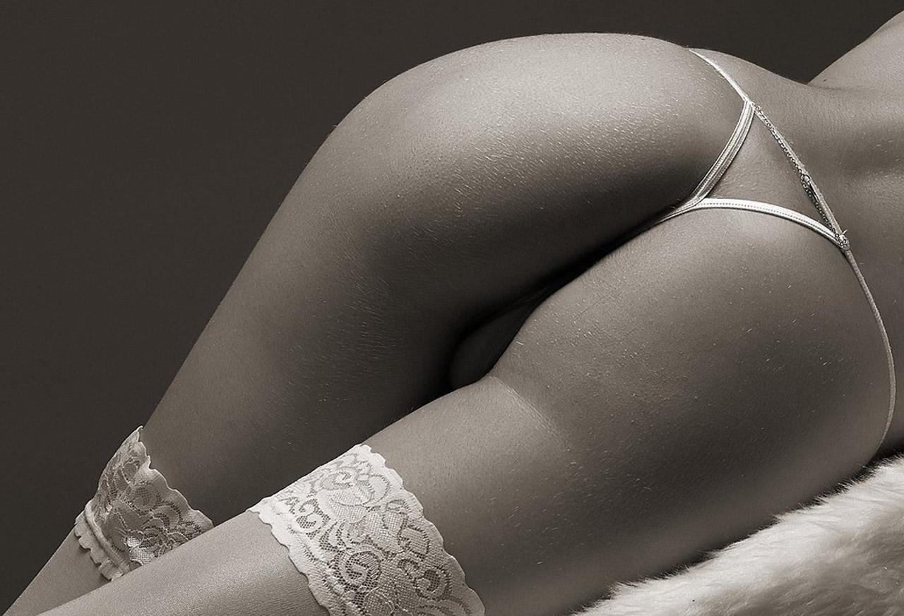 Черно белые фото жопы 10 фотография